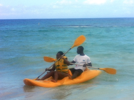 Featured Travel Addict Ornella kayaking